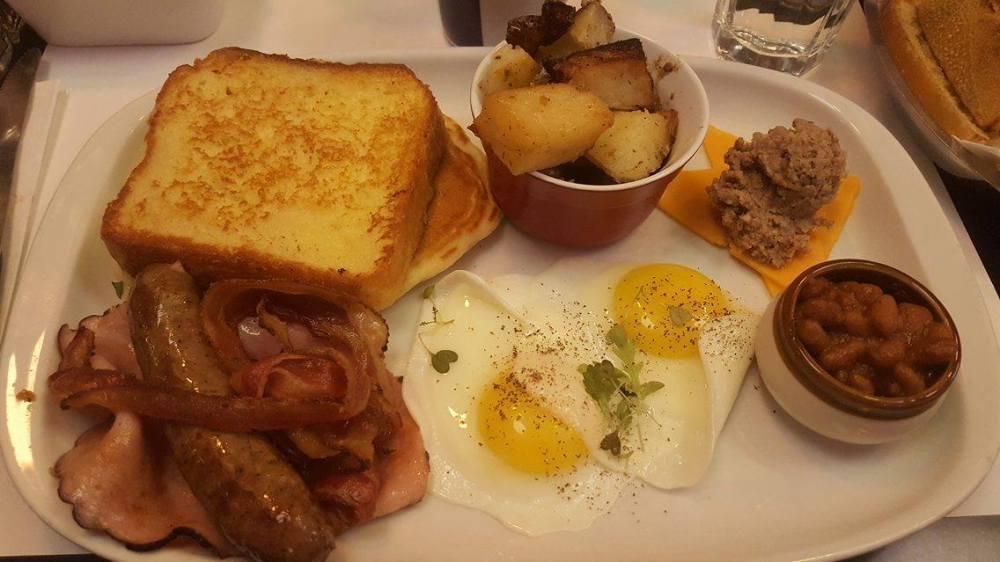 LAvenue breakfast